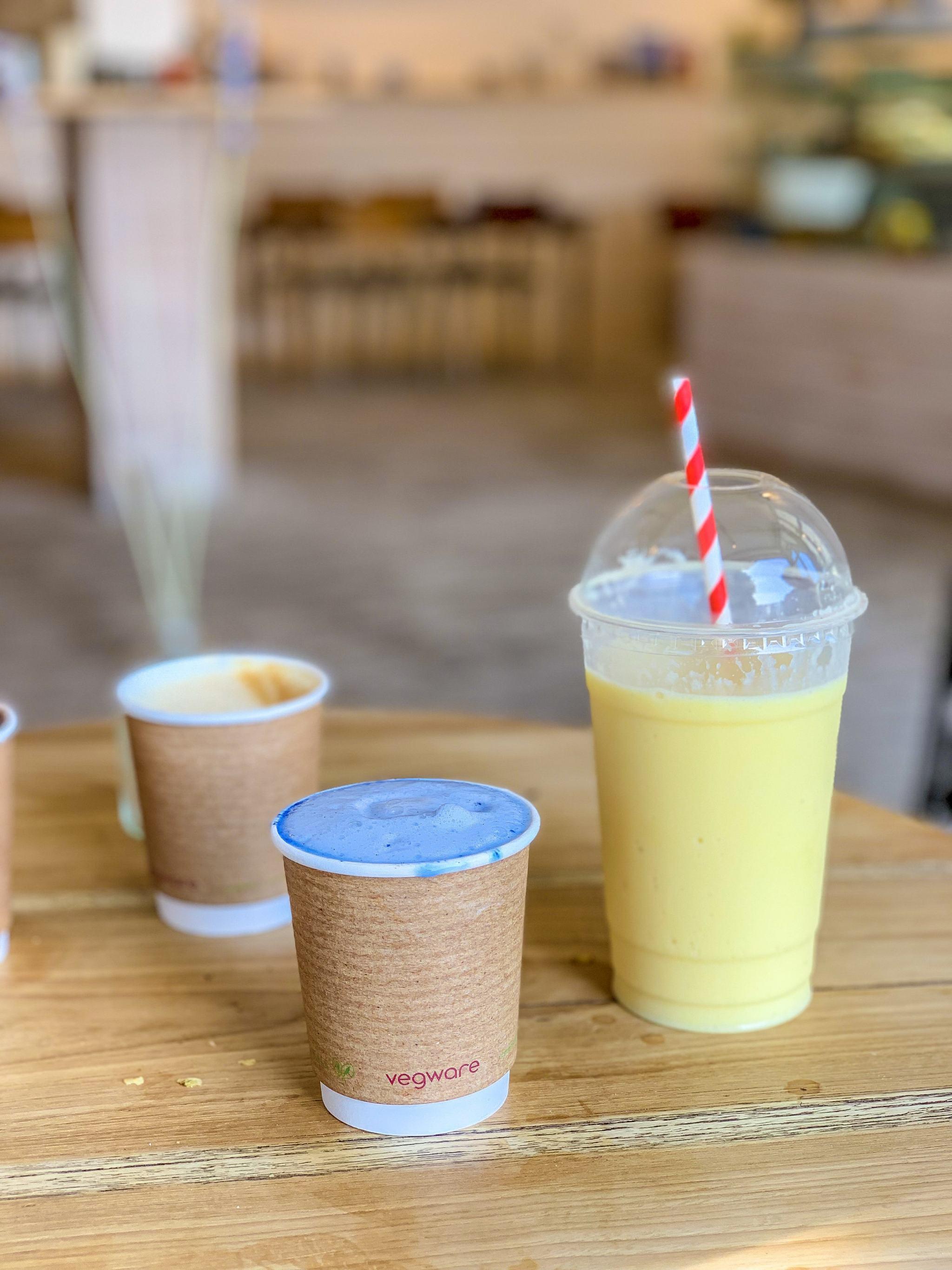 blue spirulina latte and mango smoothie