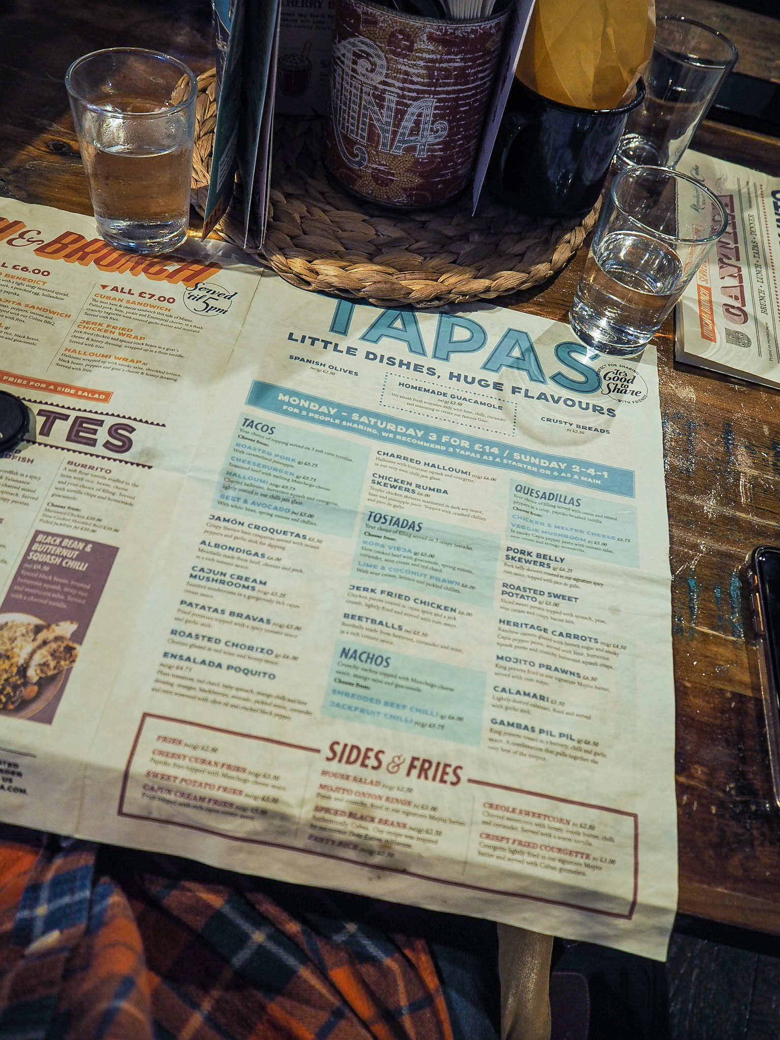 menu at revolucion de cuba