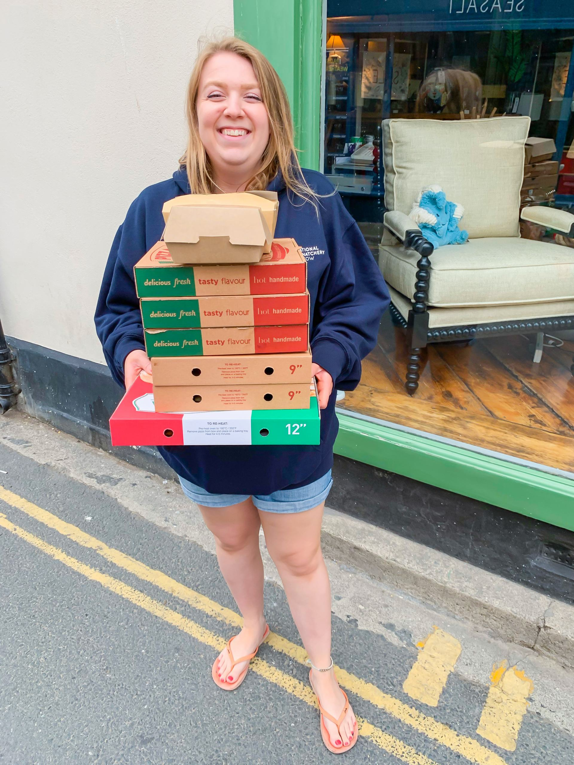 takeaway pizza from embers pizza in padstow cornwall