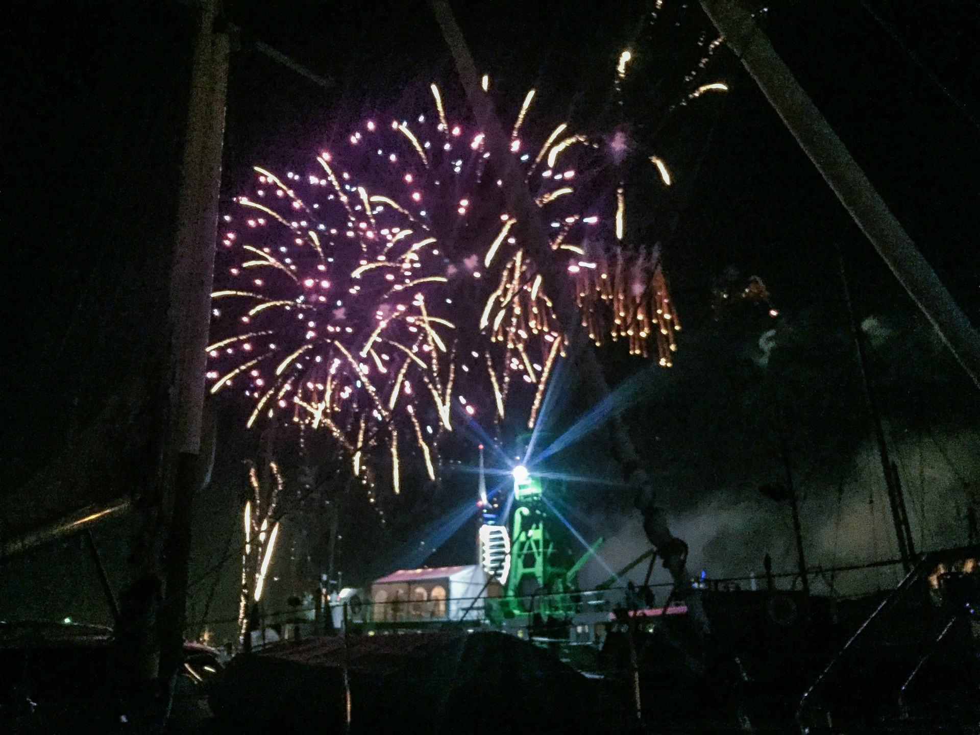 fireworks at gunwharf quays portsmouth